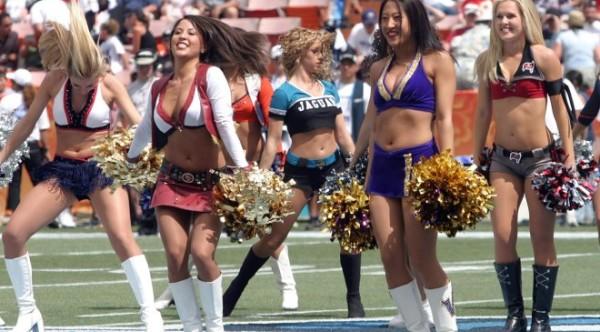 cheerleaders-560455_1280-660x365